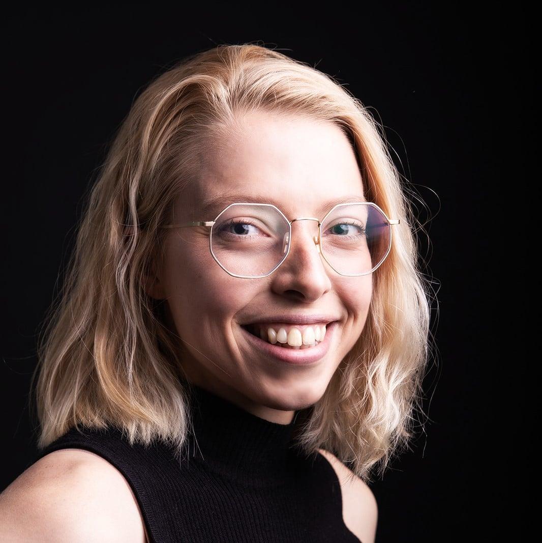 Kim Vassalo Profile Photograph